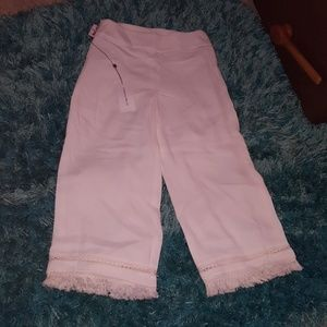 new sz 4 white Carolina belle fringe crop pant